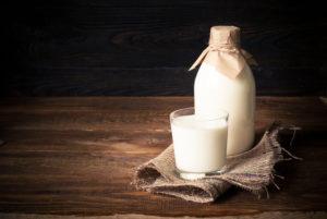 Flasche mit Milch