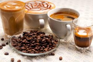 Verschiedene Kaffeevariationen